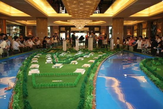 """【星河湾半岛】还打造出""""六重水景""""的园林空间,使得楼间距均能保持在"""