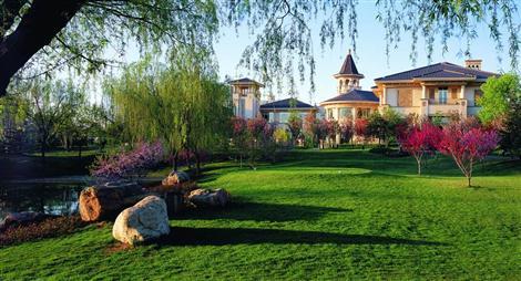 关于星河湾 > 公司概况  星河湾半岛酒店具有完备的配套设施:3个特色